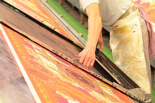 ドットワイ 横浜スカーフ 手捺染 工程 職人 作業風景