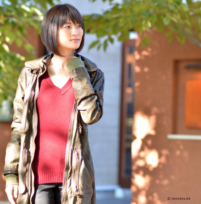 カシュビアンコ【Cashbianco】カシミヤ100% Vネックニットセーター/ロング丈のカシミアセーター/ブランド/レディース/ モデル写真