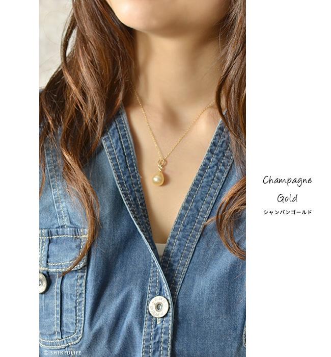 フランス製 ティアドロップ パール ネックレス Perles de Cotalatte パールドコタラッテ 映画「真珠の耳飾りの少女」で使用されたピアスと同じデザインの一粒真珠ネックレス。インポート ブランド プレゼント モデル写真 シャンパンゴールド