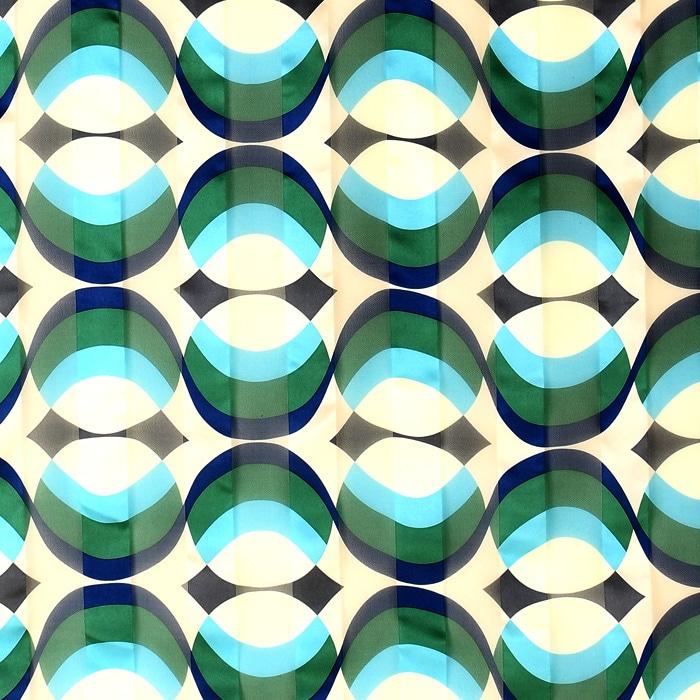 シルクスカーフ 幾何学模様