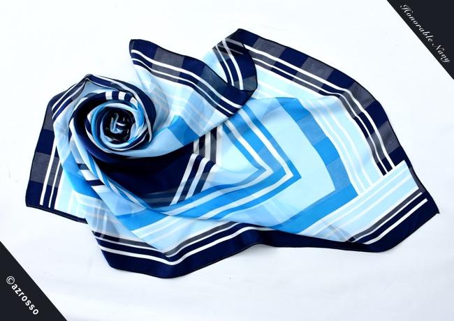 横浜スカーフ大判 ブルーの写真1