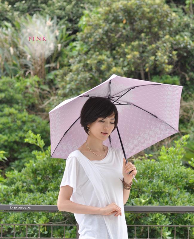 【軽量ミニ50サイズ】シルバーコーティング 折りたたみ日傘 クールなローズ柄の折り畳み日傘/UVION/ブラック/黒/遮熱でひんやり、クールダウン効果/uvカット99%以上/日傘/雨傘/晴雨兼用/完全遮光や1級遮光と違い瞳に安心/母の日/プレゼント モデル画像 ピンク